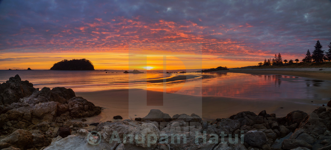 """Dawn at Mount Maunganui Main Beach"" stock image"