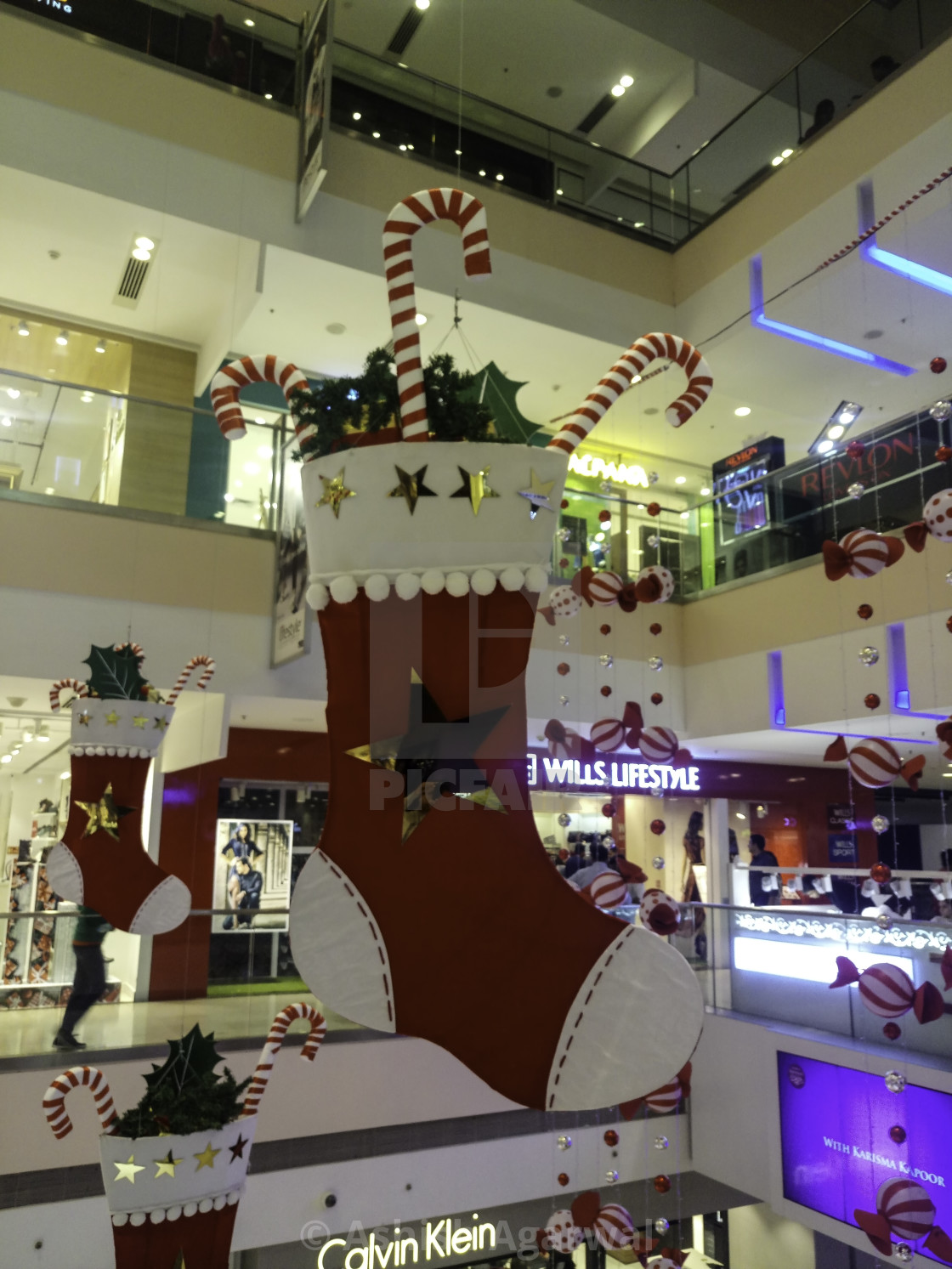 Christmas Decorations Inside Mall Of India License