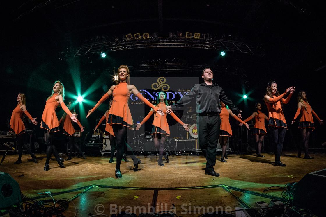 Irish dancers performs at Live Music Club (MI) 16-03-2018
