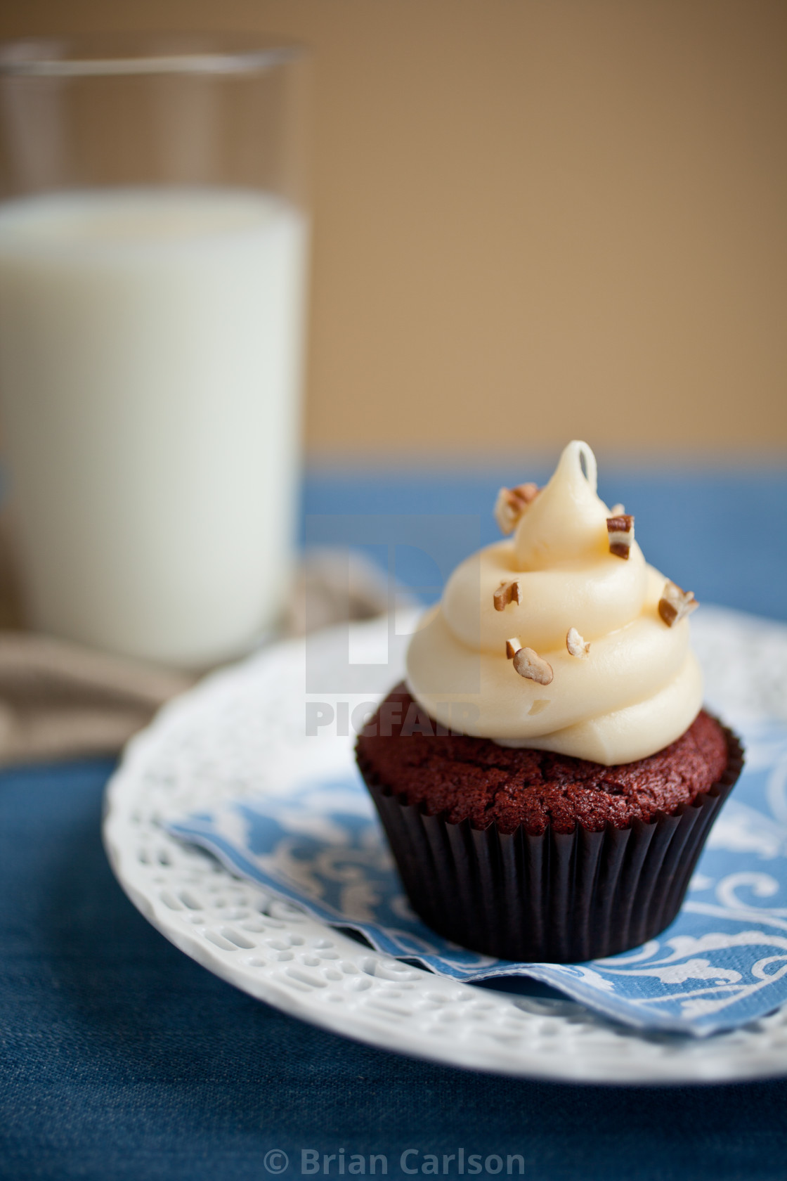 """cupcake on plate"" stock image"