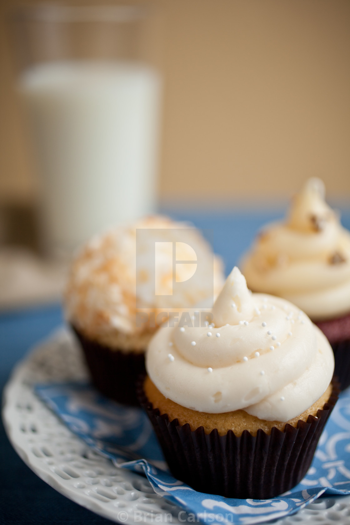 """""""cupcakes on plate"""" stock image"""
