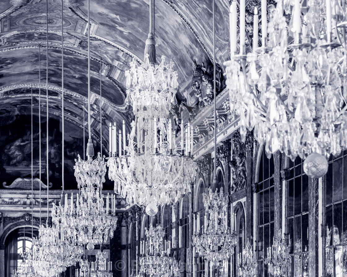 """Ceiling and chandeliers (Lustre) in the Hall of Mirrors, Chateau de..."" stock image"