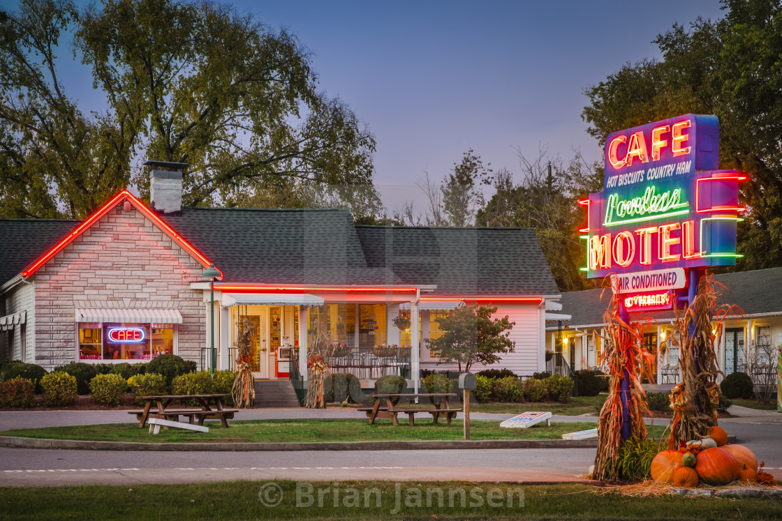"""""""The famous Loveless Cafe and Motel near Nashville Tennessee, USA"""" stock image"""