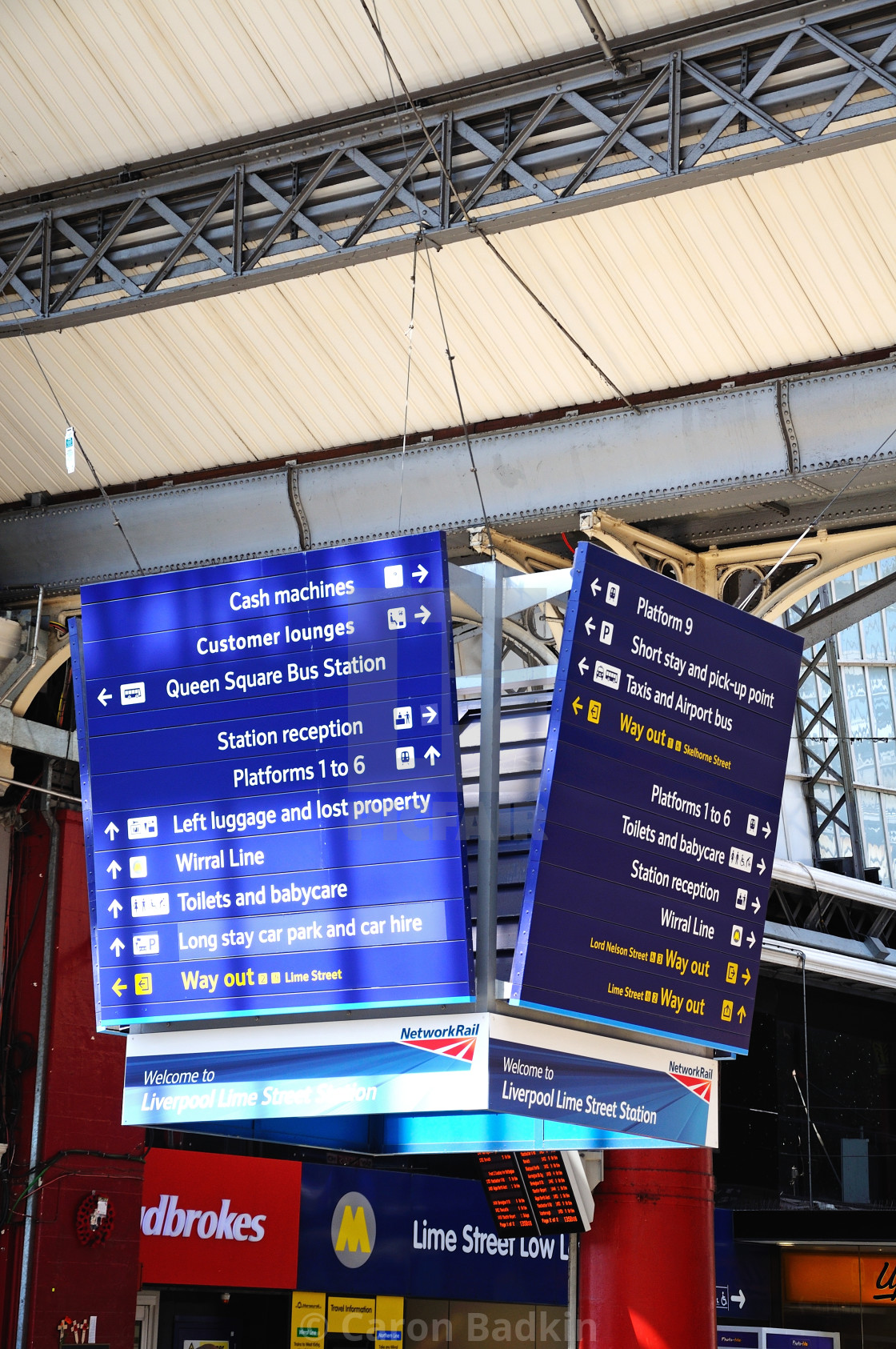 Information Signs Inside Liverpool Lime Street Railway Station Stock Image