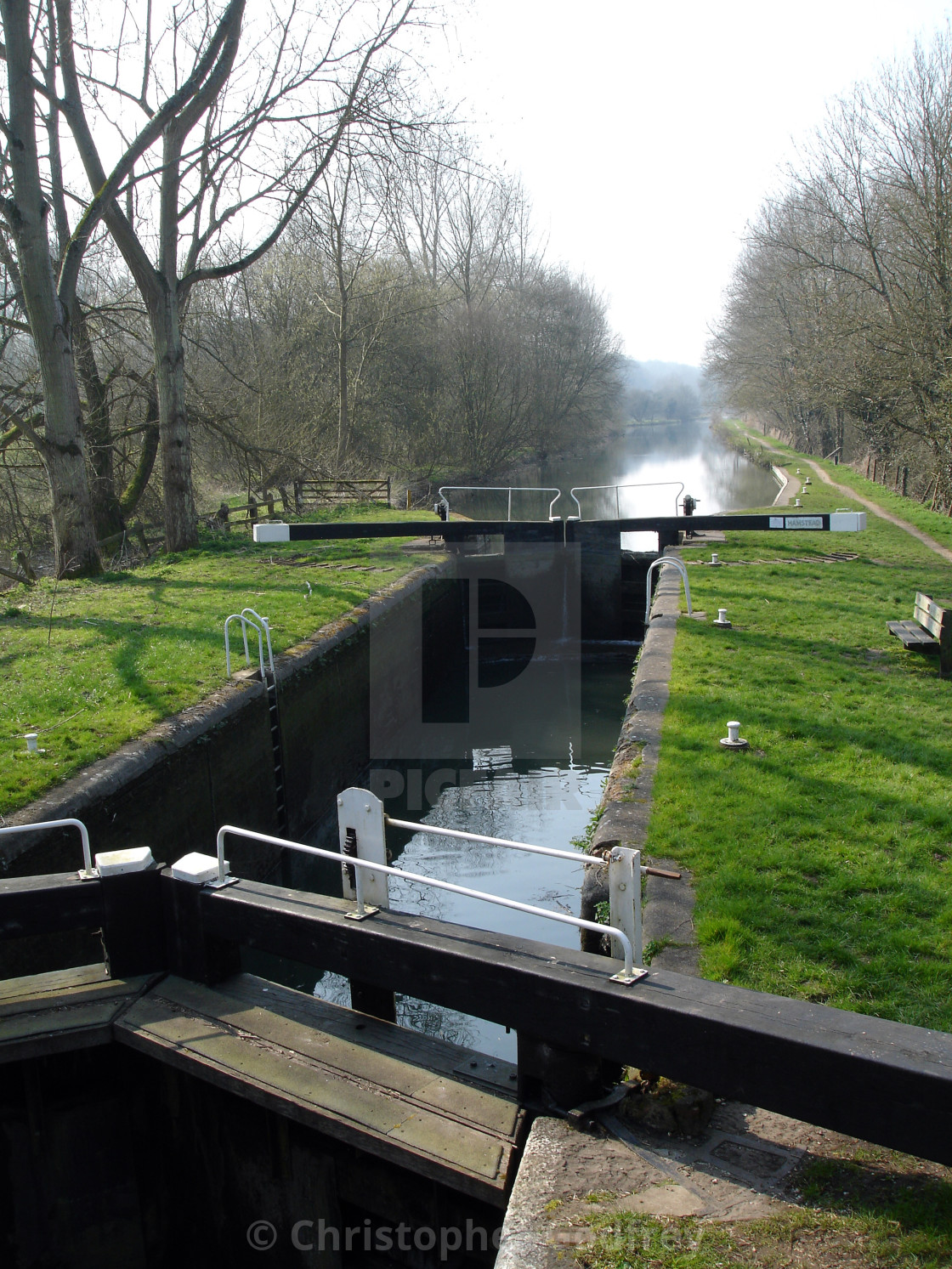 """Hamstead Lock on the Kennet and Avon Canal between Kintbury and Newbury, Berkshire"" stock image"