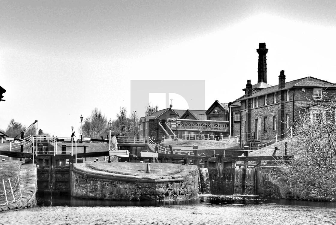 """Locks to lower basin. Ellesmere Port Boat Museum."" stock image"