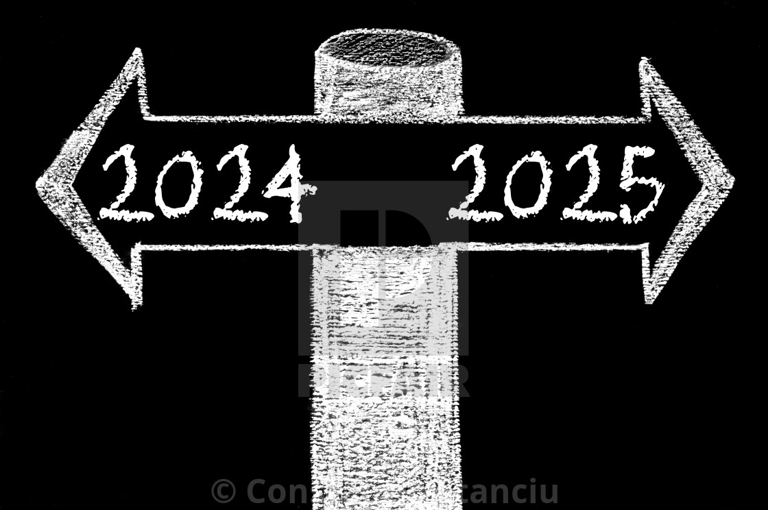 Opposite arrows with Year 2024 versus Year 2025 - License