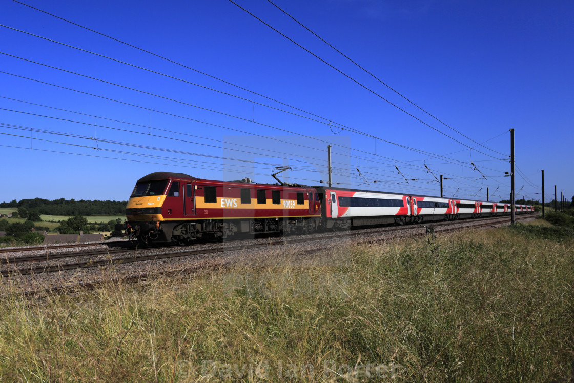 EWS 90039 pulling Virgin Trains carriages, East Coast Main