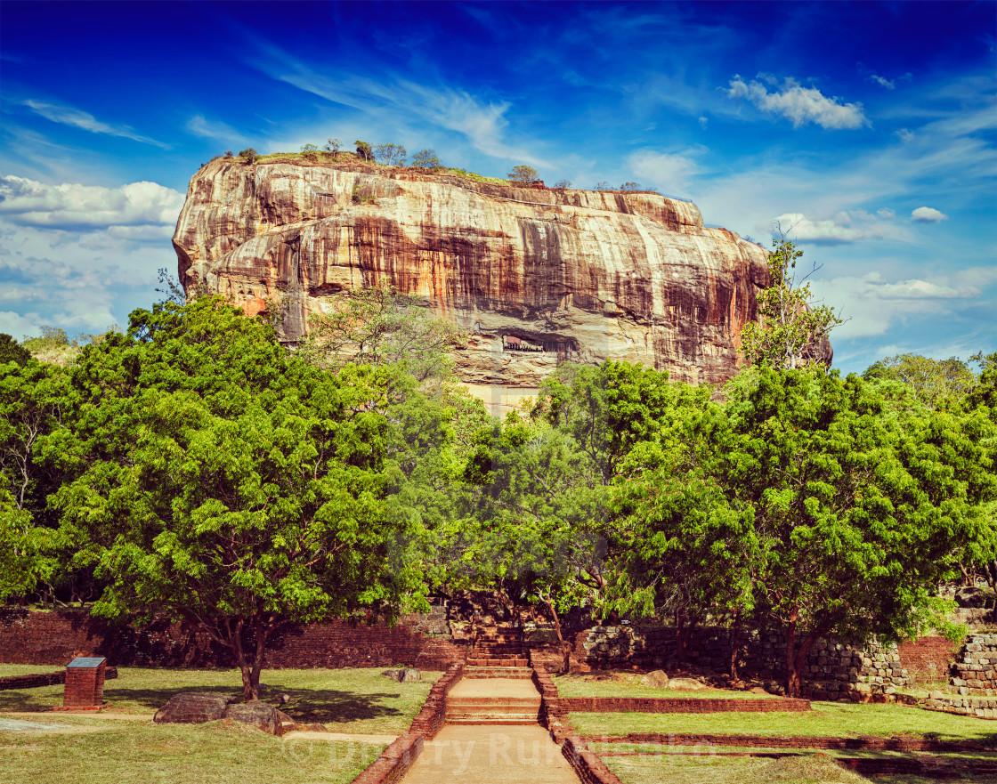 Sri Lanka Sigiriya Sigiriya Rocks Travel Print Landmark Art Retro