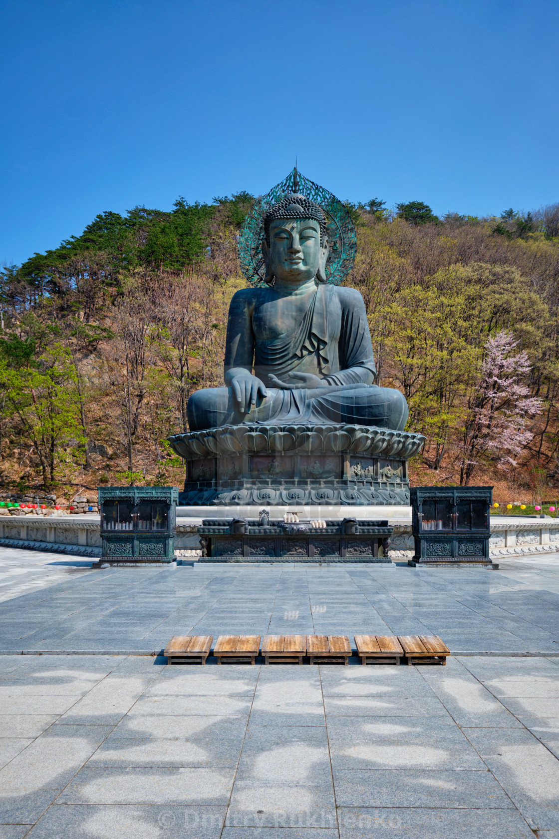 """The Great Unification Buddha Tongil Daebul statue in Seoraksan National Park,..."" stock image"
