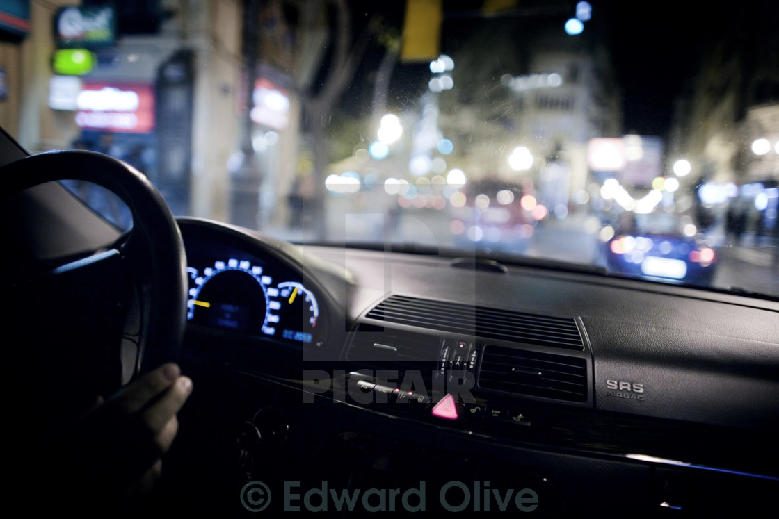 chauffeur driving steering wheel interior dashboard mercedes luxury saloon car in wedding. Black Bedroom Furniture Sets. Home Design Ideas