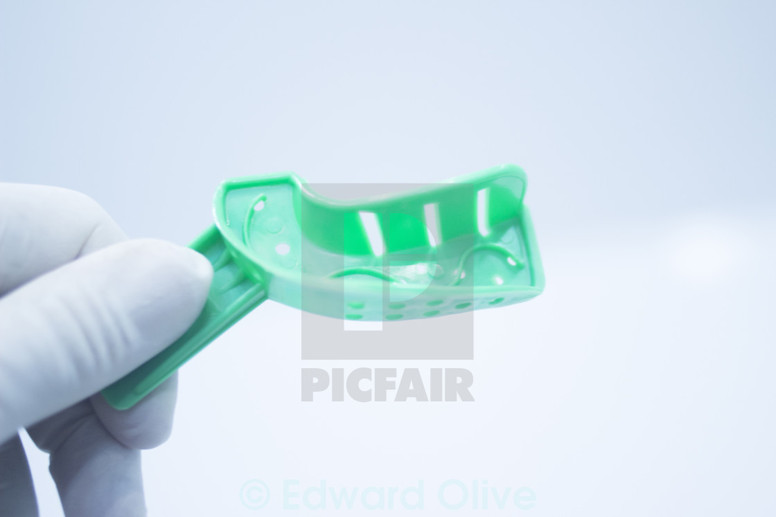 Dental mold dentists teeth ceramic plate cast - License, download or