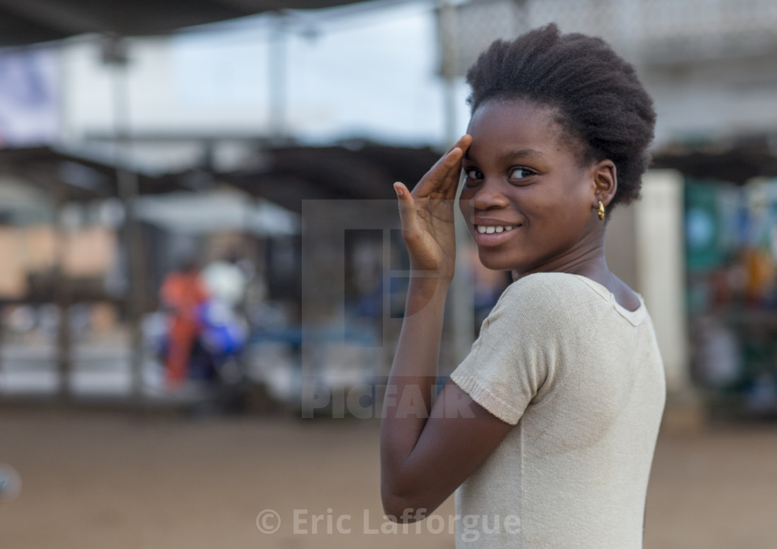 femeie datand din Benin)