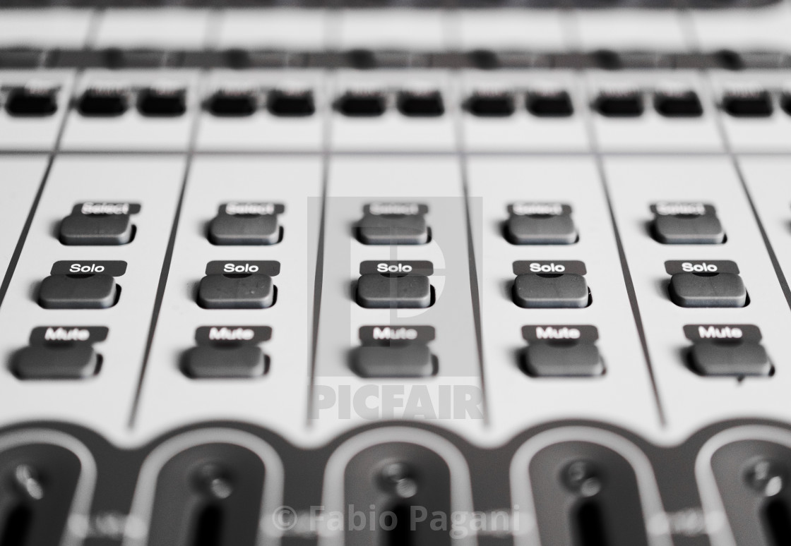 button controls detail on recording audio mixer license for 9 92