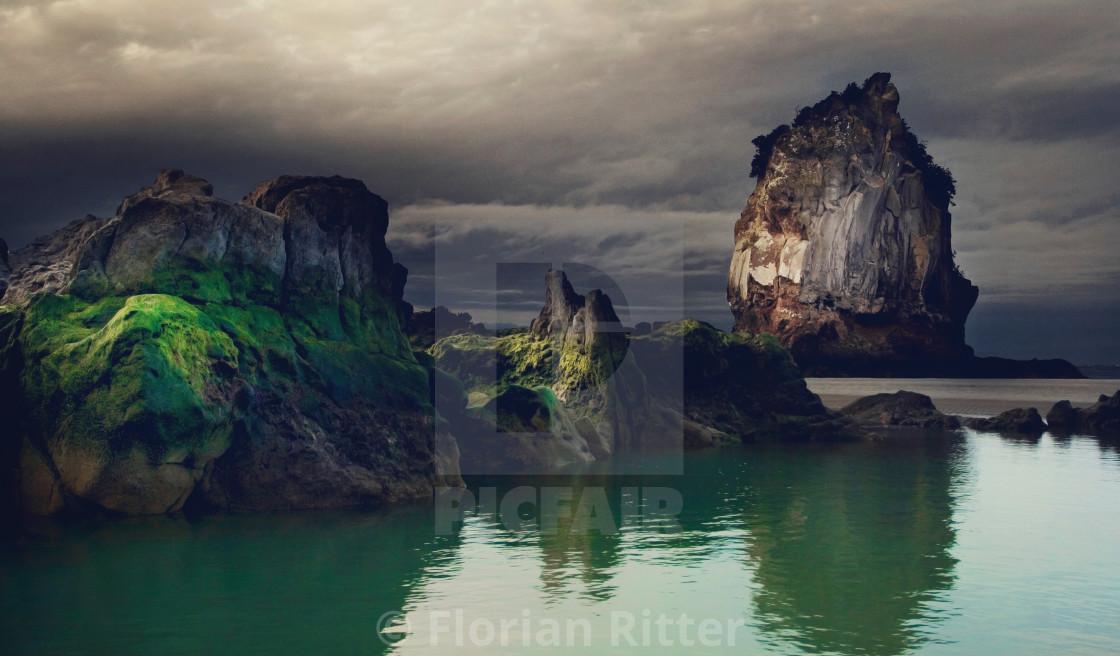 """""""3 rocks low tide"""" stock image"""
