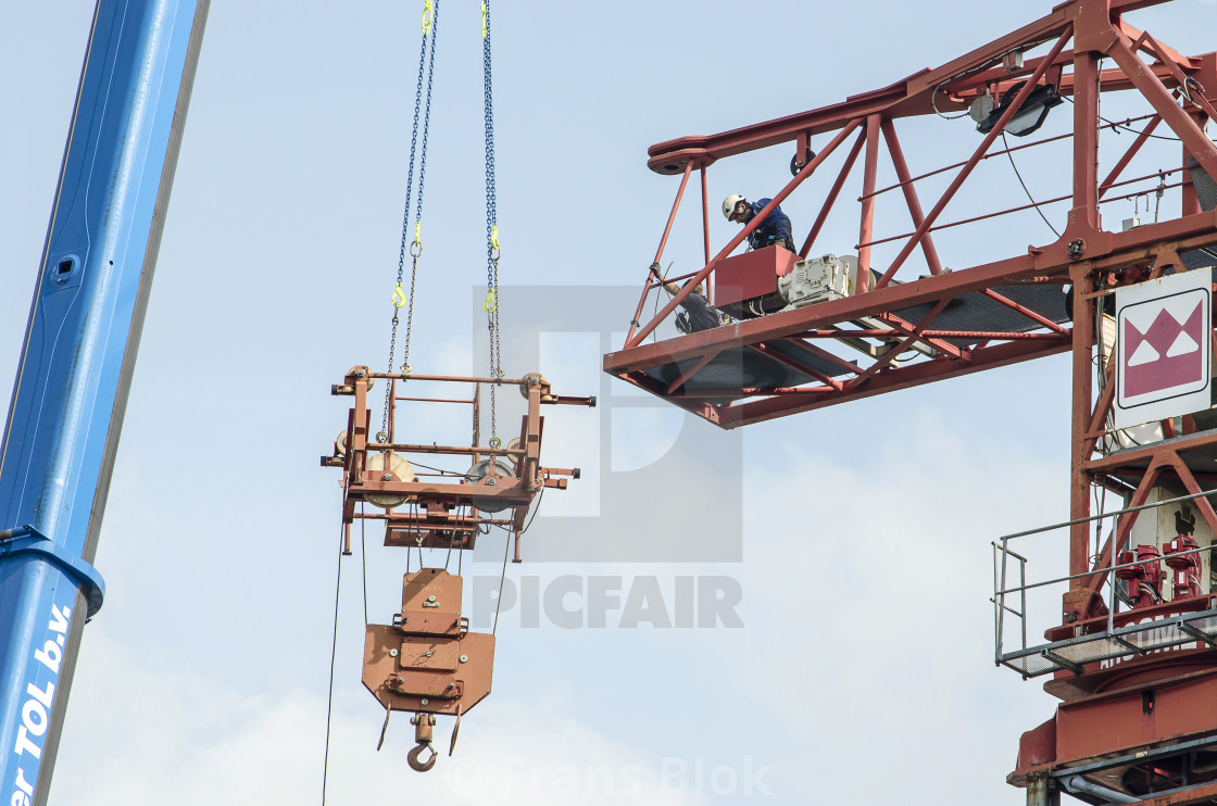 Lifting machinery added to tower crane - License, download