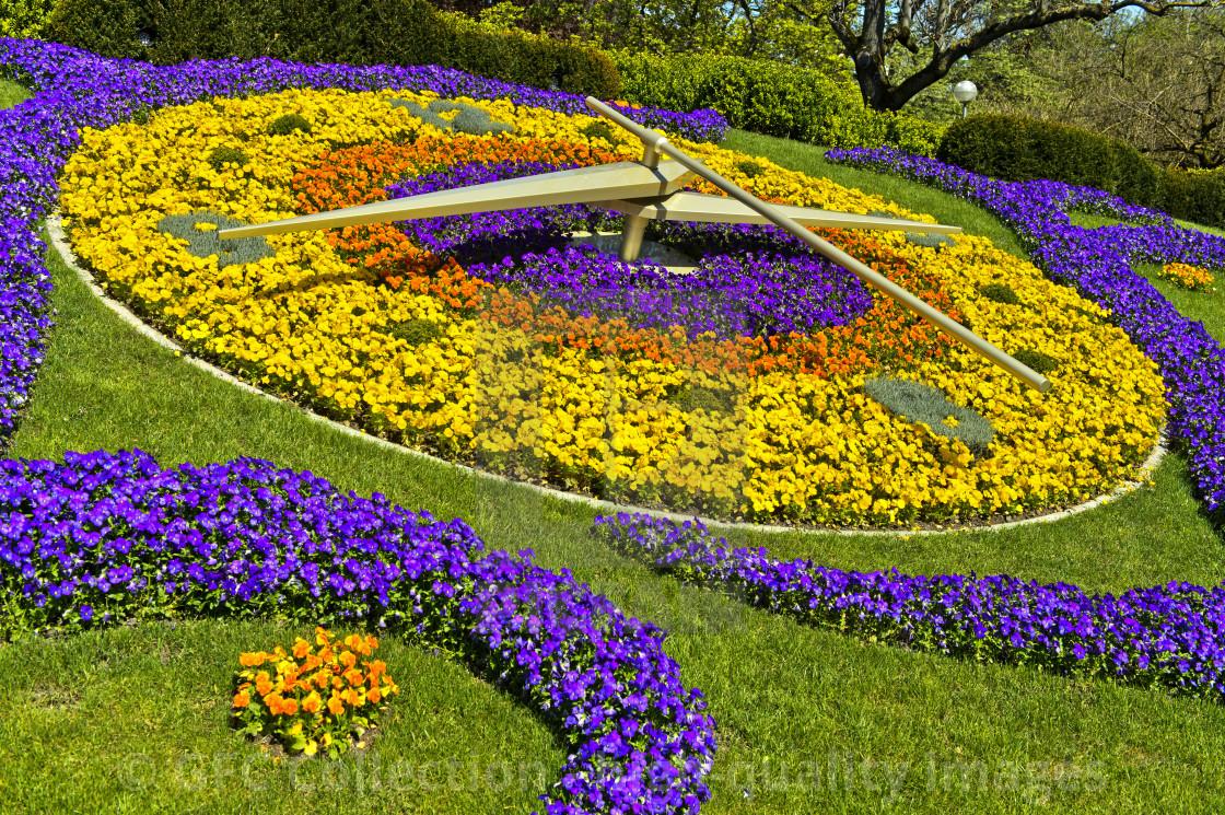 Flower Clock L Horloge Fleurie At The Park Jardin Anglais