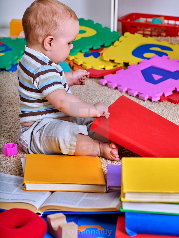 Child jigsaw develops children  Kid puzzle making baby