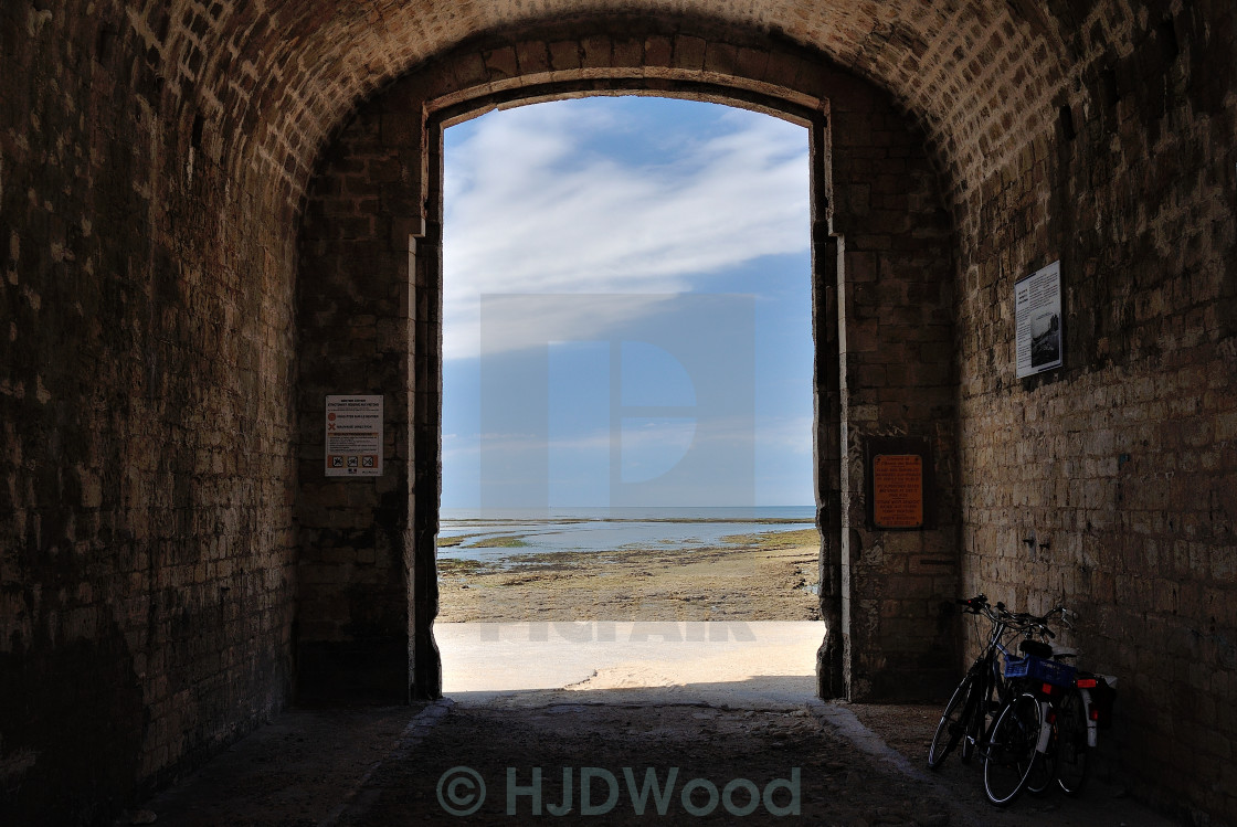 """""""Archway to the beach, Île de Ré, France"""" stock image"""