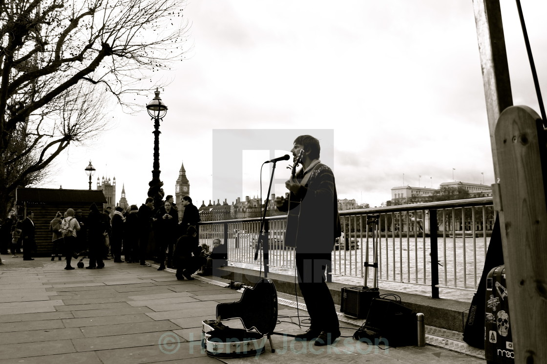 """""""The Lone Singer"""" stock image"""