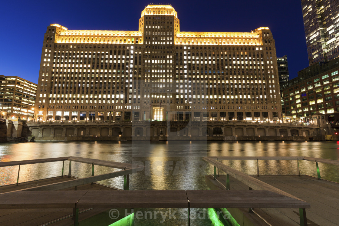 """""""Merchandise Mart in Chicago at night"""" stock image"""