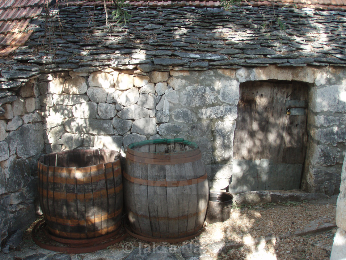 Stara dalmatinska kuća, Old Dalmatian house - License, download or print for £24.80 | Photos | Picfair