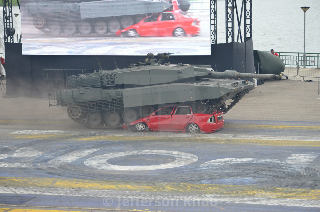Leopard 2 - License, download or print for £6 20 | Photos