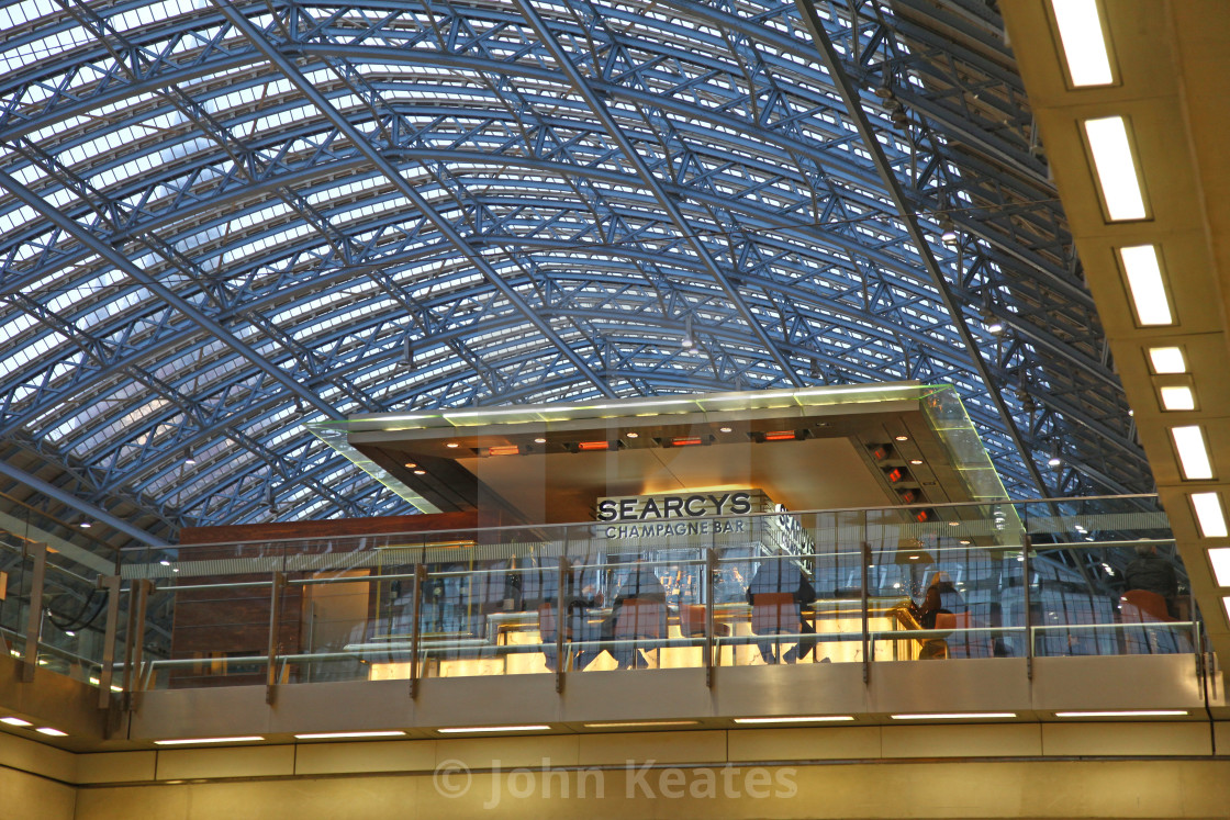 """Searcheys chamagne bar at St Pancras international railway stati"" stock image"