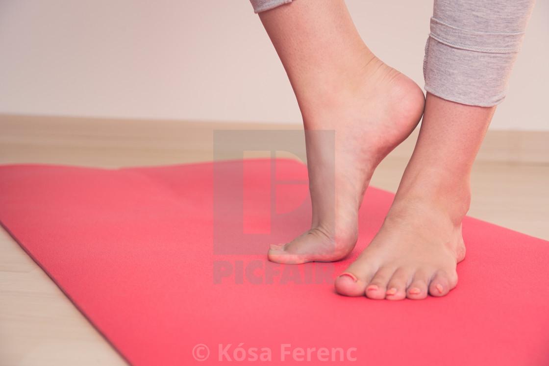 teen feet pic
