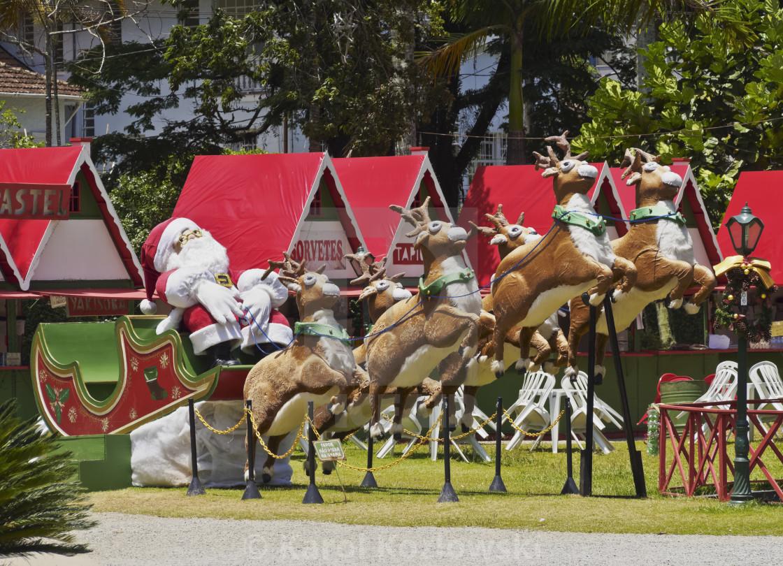 """Brazil, State of Rio de Janeiro, Petropolis, Christmas decorations in."