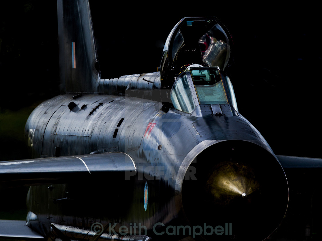 """Lightning XR728"" stock image"