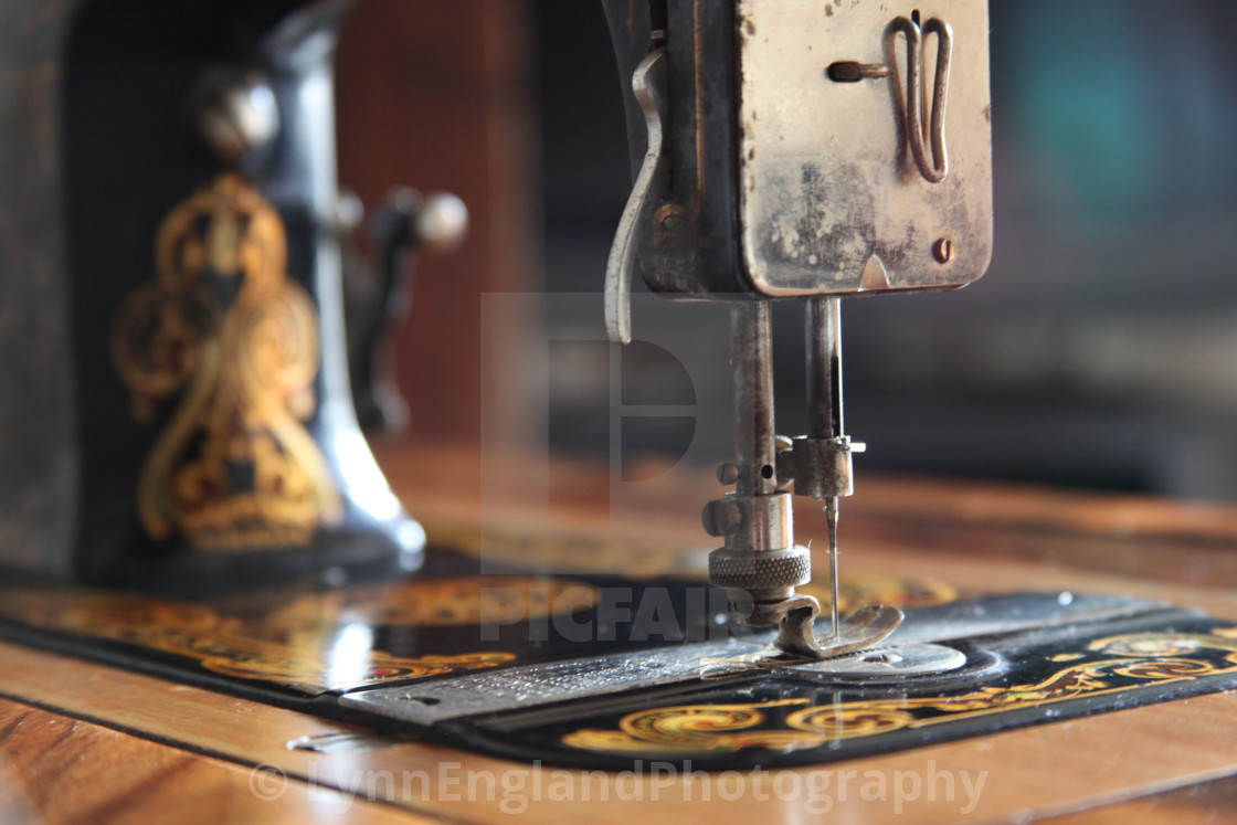 Nostalgia ...Vintage Neva sewing machine