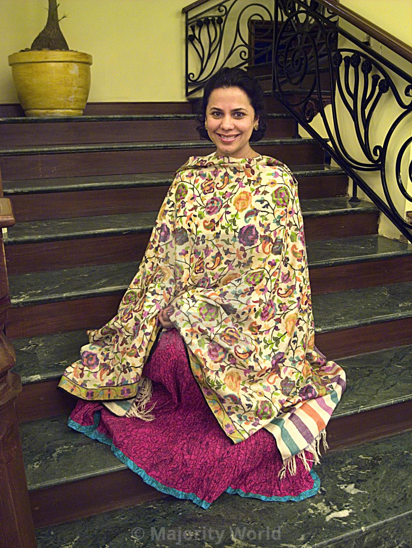 """""""A woman in traditional Kashmiri shawl. Grand Palace Hotel, Srinagar, Kashmir,..."""" stock image"""