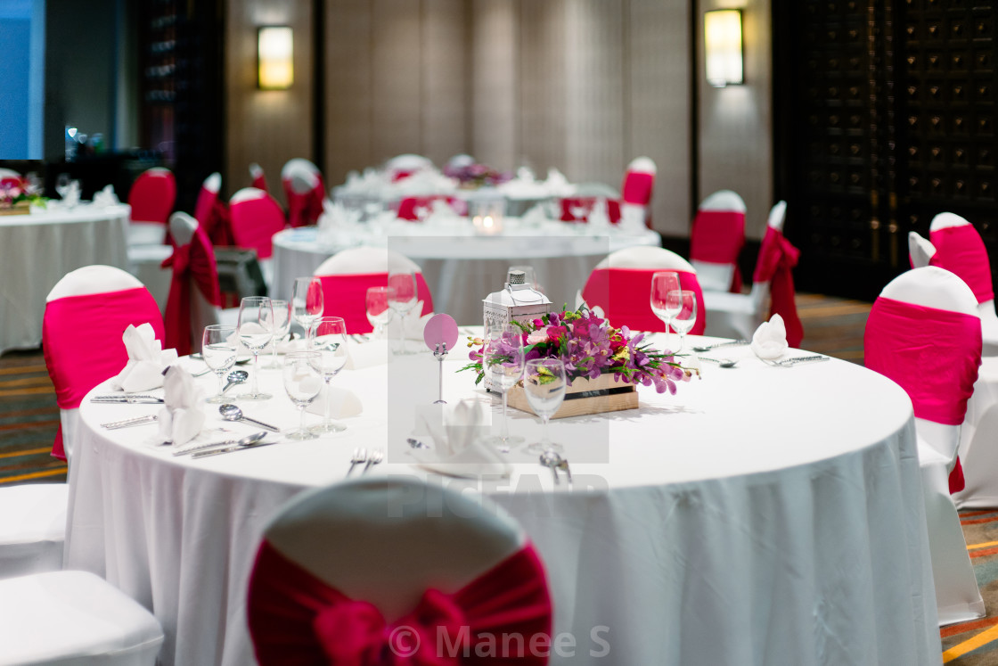 Wedding Reception Dinner Table White And Red Theme Chairs License
