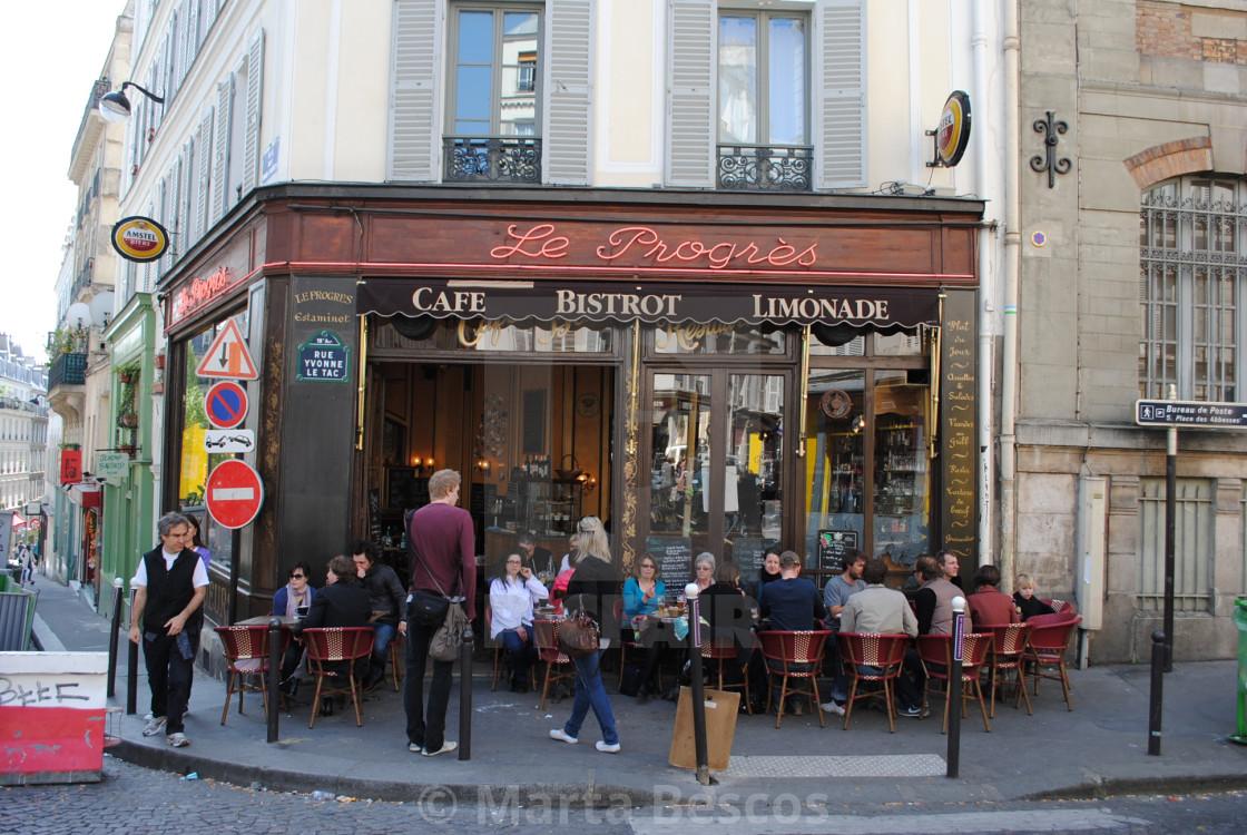 """""""Parisian Café, Montmartre, Paris, France"""" stock image"""