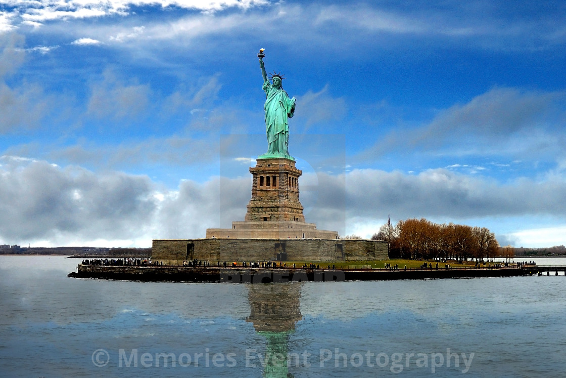 """""""Looking onto the Statue of Liberty"""" stock image"""