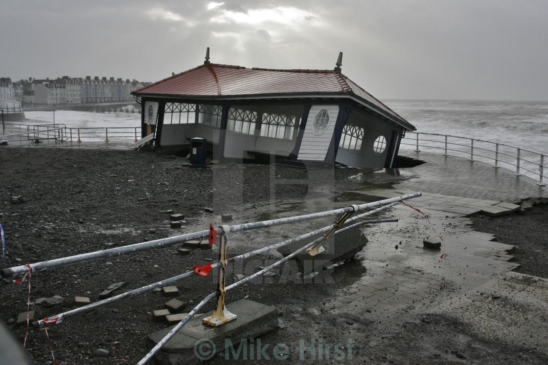 """""""Aberystwyth Seafront Public Shelter Destroyed"""" stock image"""