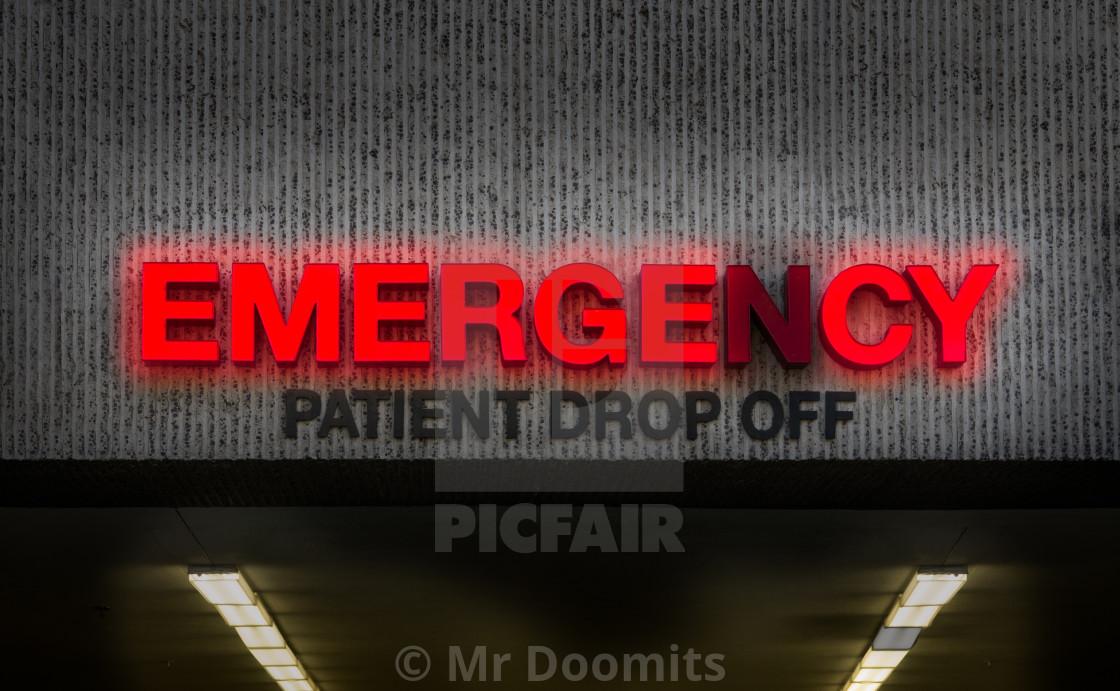 """Rundown Hospital ER Drop Off Sign"" stock image"