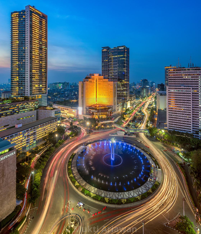 Jakarta Selamat Datang Monument Bundaran Hi License Download Or Print For 18 60 Photos Picfair