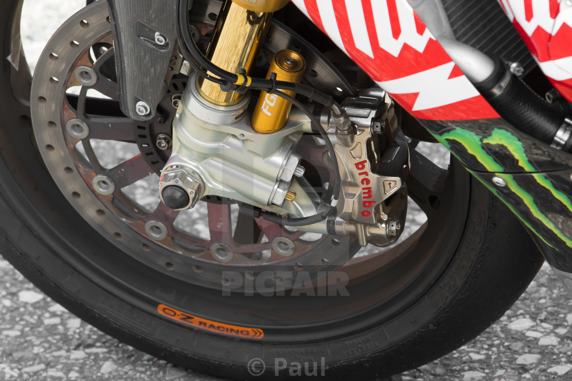 Superbike Front wheel & Calliper