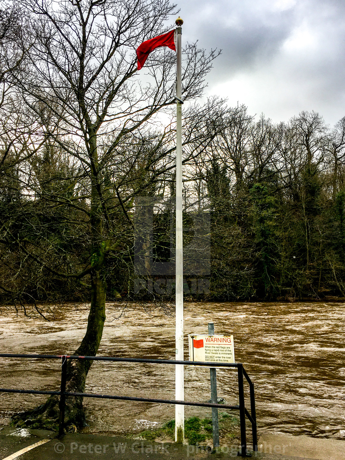 """Richmond, River Swale, Flood Warning, Red Flag"" stock image"
