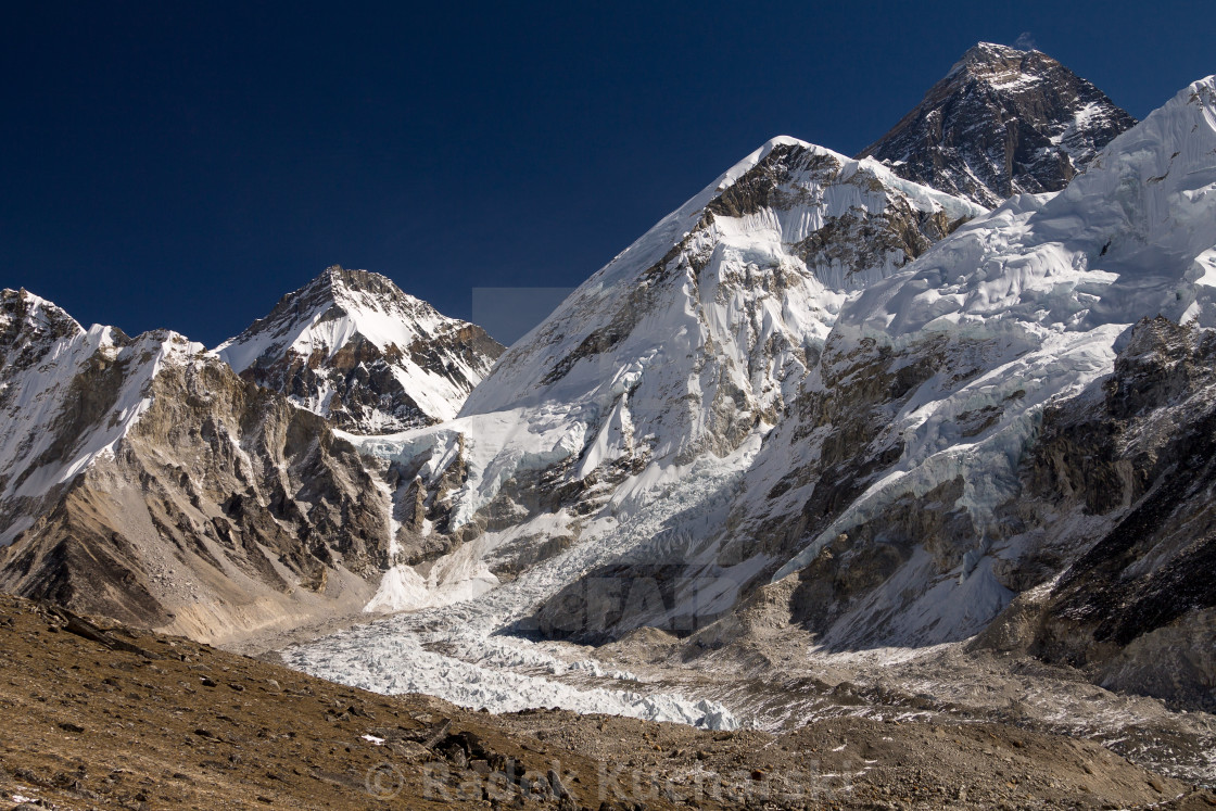 """""""Mount Everest seen from the way to Kala Patthar"""" stock image"""