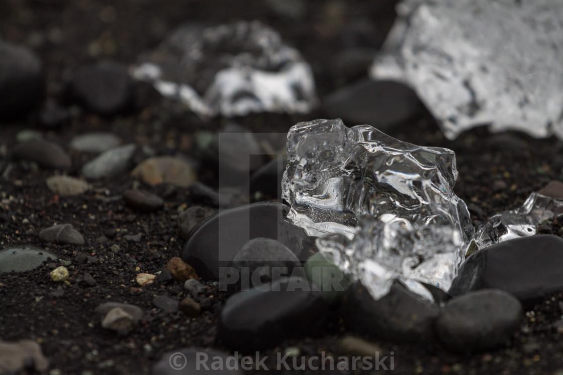 """""""Ice crystal at Jökulsárlón beach. Iceland."""" stock image"""