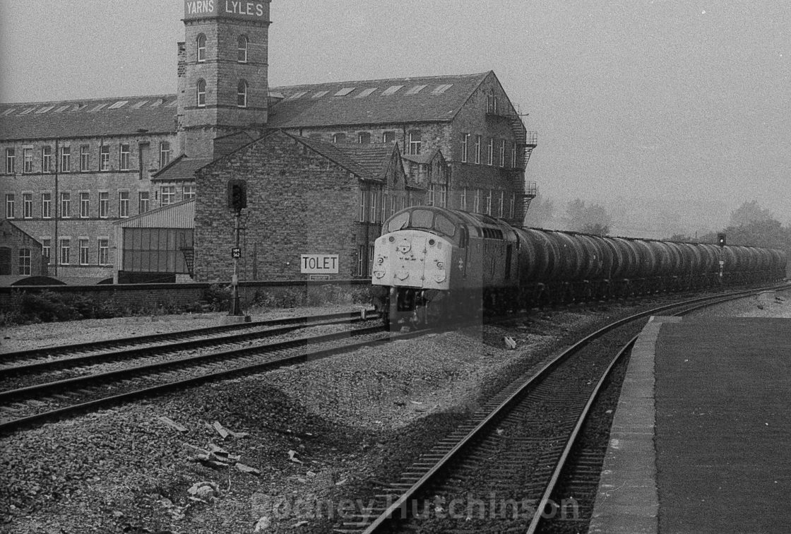 """""""BR class 40 passing Mirfield 1980's"""" stock image"""
