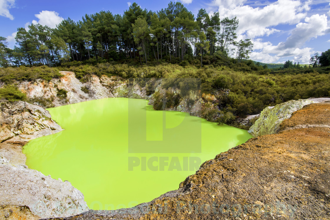 """Devil's Bath @ Wai-O-Tapu, NZ"" stock image"