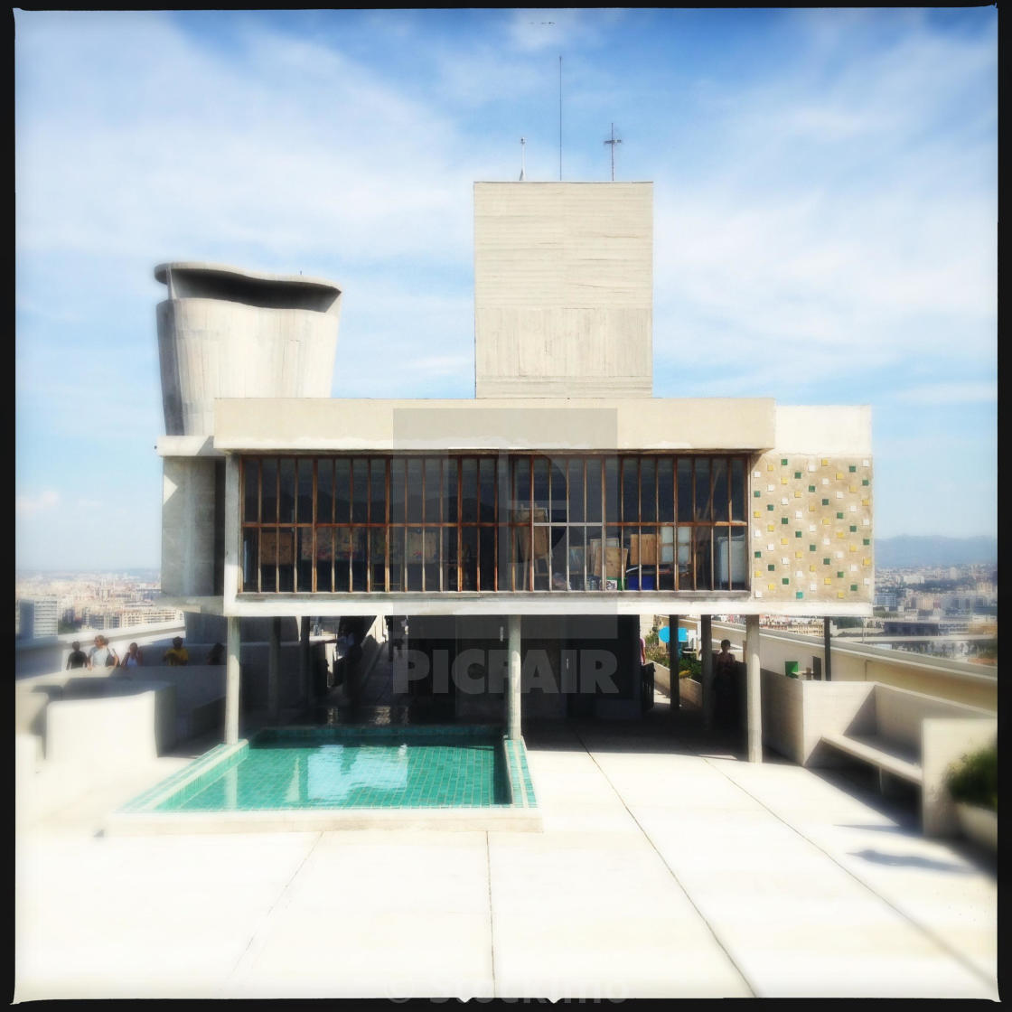 Le Corbusier Unite D Habitation the school and paddling pool on the roof of le corbusier's
