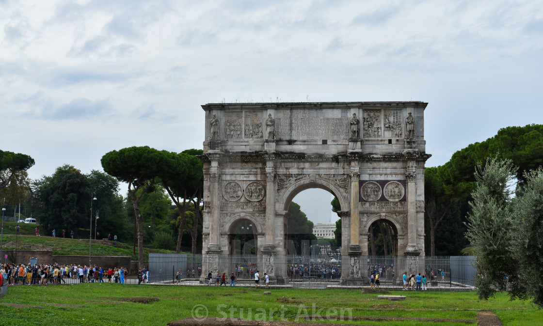 """Crowds at the Arco Constantino in Rome"" stock image"