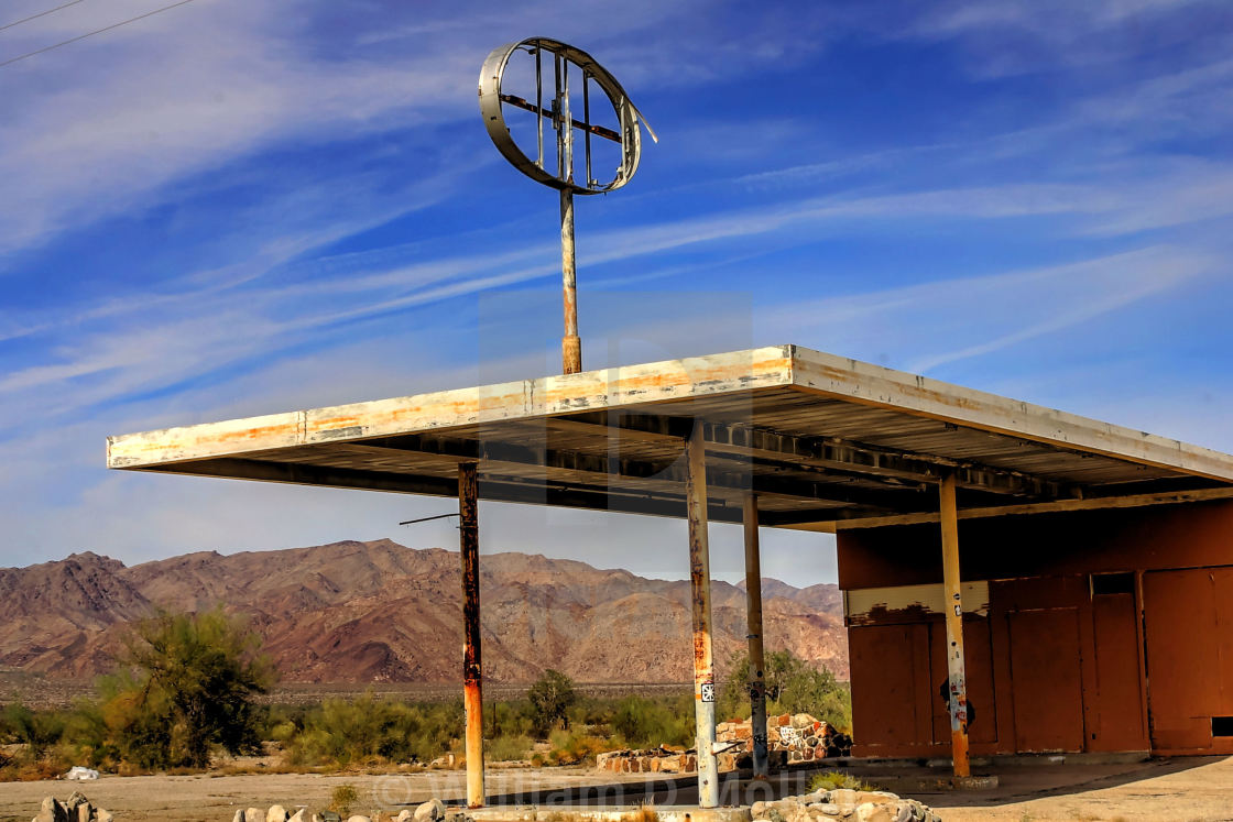 Abandoned Gas Station Desert Center California License Download Or Print For 12 40 Photos Picfair