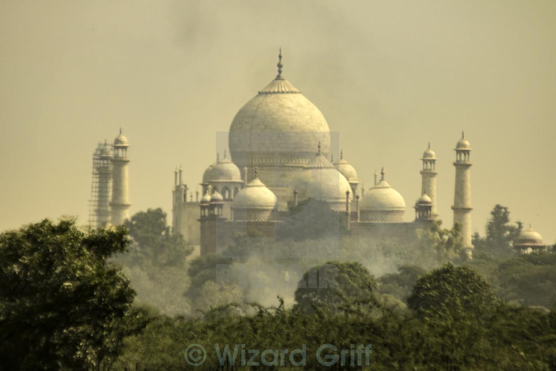 Taj Mahal Pollution - License for £18.60 on Picfair