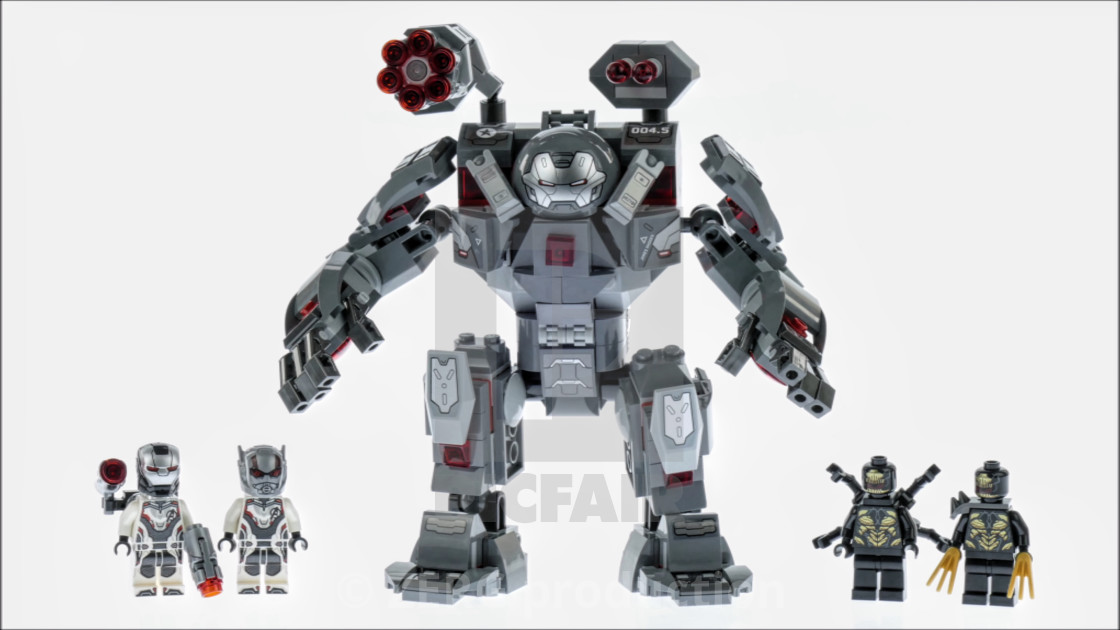 Lego designer photos of figures  Avengers Endgame 2019  Sets